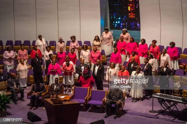 ニューヨーク州ハーレムのゴスペル合唱団 - ゴスペルミュージック ストックフォトと画像
