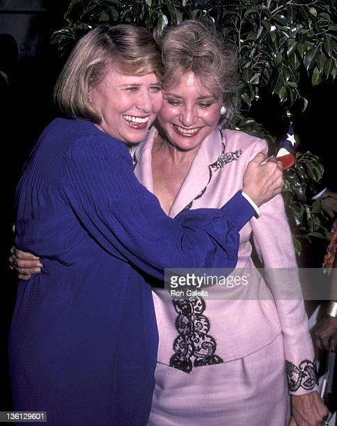 Gossip columnist Liz Smith and TV journalist Barbara Walters attend the Broadway Salute to Liz Smith Gala to Benefit Literarcy Volunteers of New York...