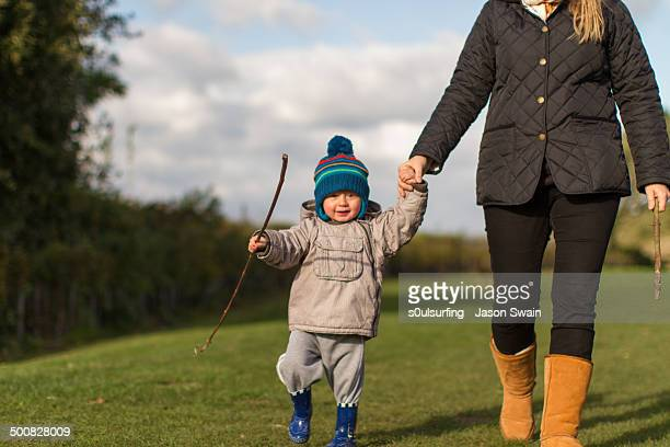 got my mum, got my stick - s0ulsurfing stock pictures, royalty-free photos & images