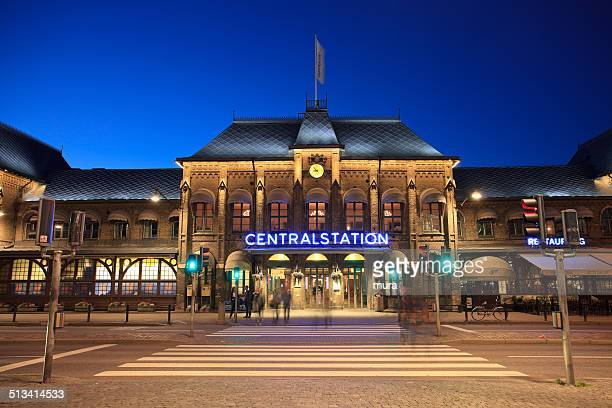 gothenburg central station at night - gothenburg stock pictures, royalty-free photos & images