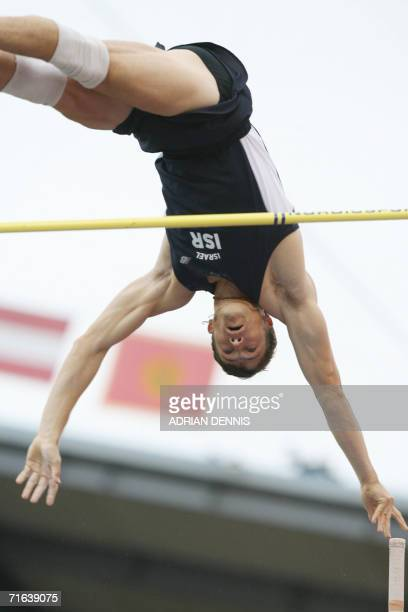 Israel's Alex Averbukh competes to win the Men's Pole Vault final at the 19th European Athletics Championships in Gothenburg, Sweden, 13 August 2006....