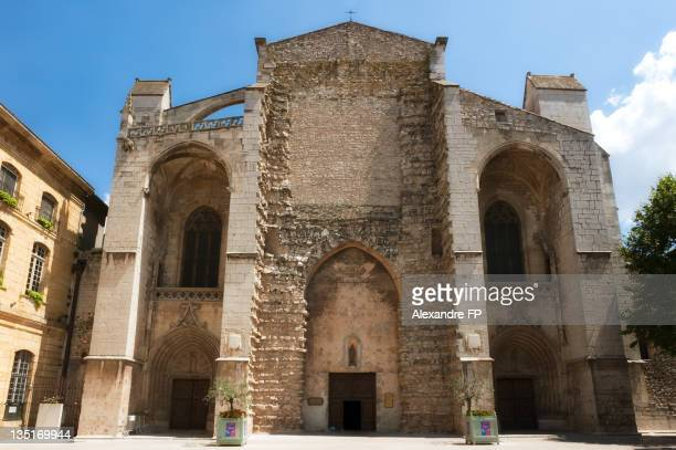 gothic basilica of mary magdalene in st maximin - saint maximin la sainte baume stock pictures, royalty-free photos & images