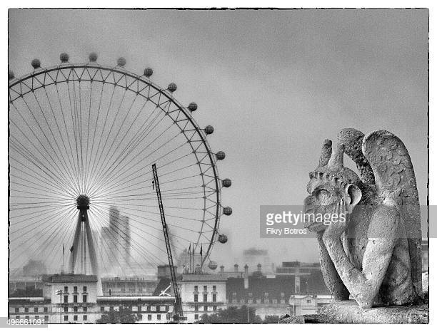 CONTENT] A gothic gargoyle watching the eye of London