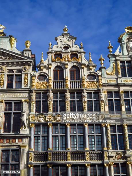 gothic house facade on the grand place of brussels - grote markt brussel stockfoto's en -beelden