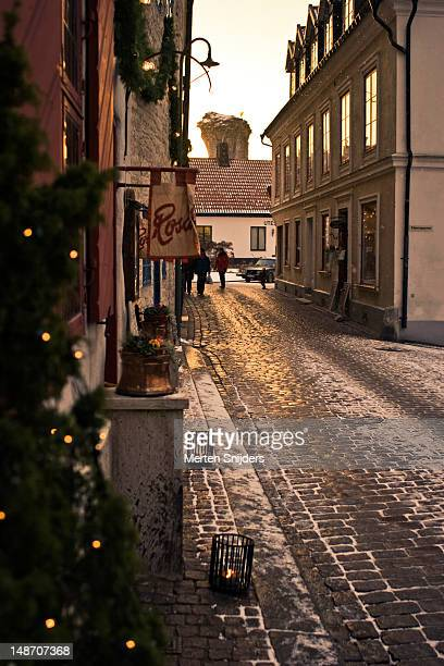 gotland xmas street. - merten snijders stock pictures, royalty-free photos & images