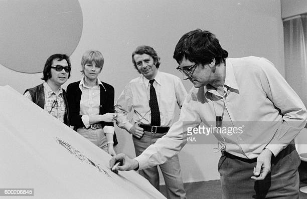 Gotlib Claire Bretecher Jean Roba and Franquin during the recording of the program As quick as a flash