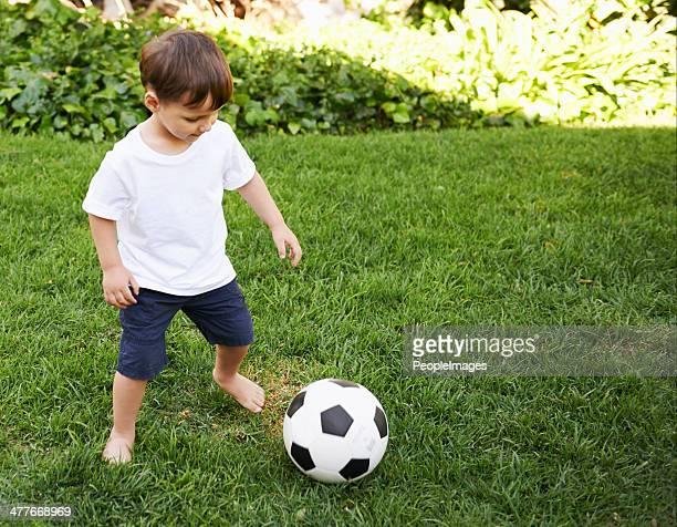 Hay que mantener su atención en la bola en todo momento.