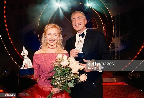 """Gottfried John, Marita Marschall,;""""Bayerischer Filmpreis 2000"""",;""""Cuvillies-Theater, München, Bühne,;Blumenstrauss, Preiss,"""