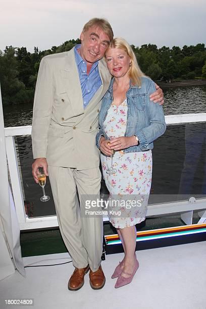 Gottfried John Mit Seiner Ehefrau Brigitte Bei Der Abendgala Zum Bmw Sailing Cup Auf Der Ms La Paloma Auf Dem Wannsee Bei Berlin