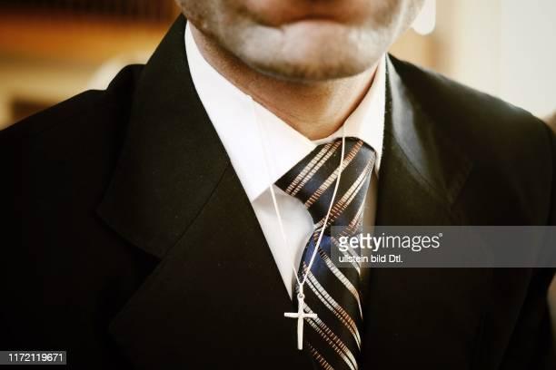 Gottfried Martens Pfarrer EvangelischLutherische St Mariengemeinde iranische Flüchtlinge Kirchenasyl Asyl Kirchenasly Taufe Islam Christentum...