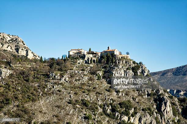 gourdon village in provence france - jean marc payet stock pictures, royalty-free photos & images
