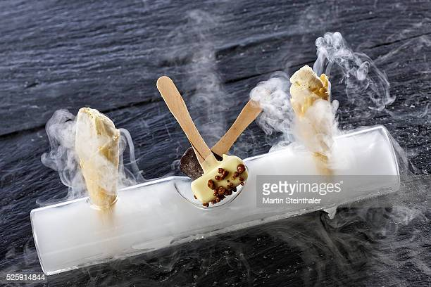 gourmet iced lolly with cold steam - dry ice stock pictures, royalty-free photos & images