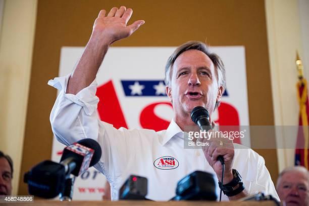 Gov. Bill Haslam, R-Tenn., speaks during a rally for Arkansas Gubernatorial candidate Asa Hutchinson at Sues Kitchen in Jonesboro, Ark., on Friday,...