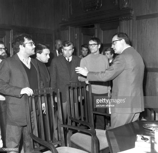 Governing Mayor of Berlin Klaus Schütz talks to members of the APO the extraparliamentary opposition on 12 April 1968