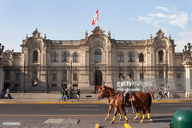 government palace pedestrians and mounted police in lima peru - lima animal stock pictures, royalty-free photos & images