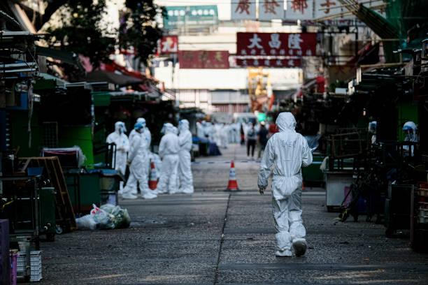 CHN: Densely Populated Hong Kong Neighbourhood Cordoned Off