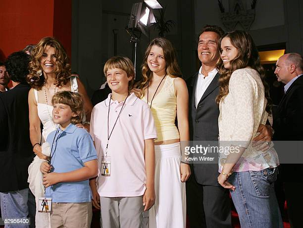 Governor Arnold Schwarzenegger and his wife Maria Shriver pose with their children Chris Patrick Christina and Katherine at the premiere of Paramount...
