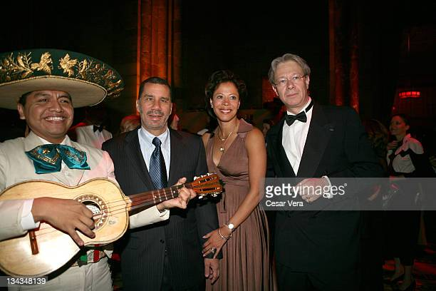 Governor David Paterson his wife Michelle and Julian Zugazagoitia Museum Director attend the 2009 Museo del Barrio Gala at Cipriani on May 20 2009 in...
