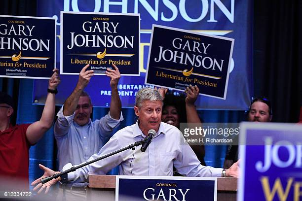 Governor Gary Johnson, Libertarian nominee for President, speaks to a packed audience inside the Great Hall at University of Colorado South Denver...