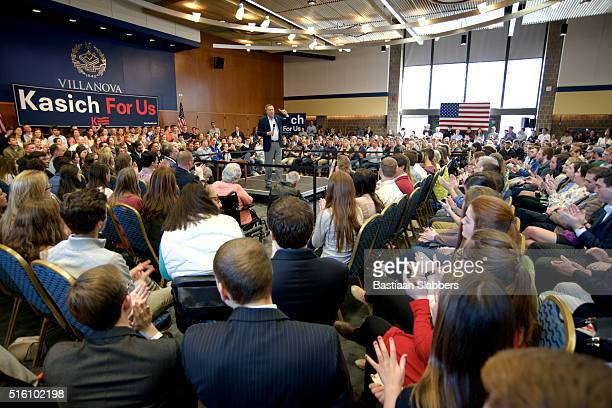 governor john kasich town hall meeting at philadelphia suburbs university - political rally stock pictures, royalty-free photos & images