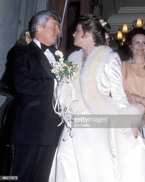 Governor John Y Brown Jr and Phyllis George exit chuch after their wedding ceremony on March 17 1979 at the Marble Collegiate Church in New York City
