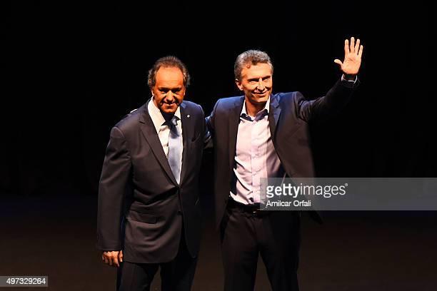Governor of Buenos Aires and presidential candidate for Frente para la Victoria Daniel Scioli and Mauricio Macri Mayor of Buenos Aires and...