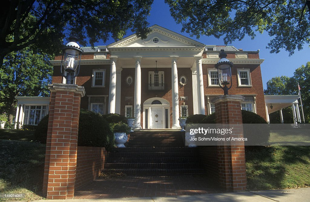 Governor's mansion in Charleston, WV, State Capitol : News Photo