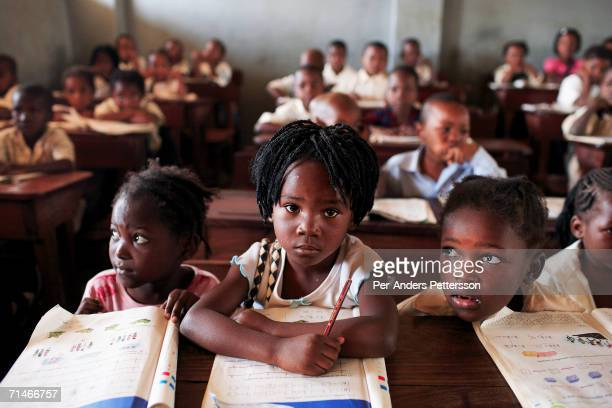 Graca Machel talks to students at 12 Outubro a primary school in on June 15 2006 in Maputo Mozambique The former first lady is a widow of Samora...