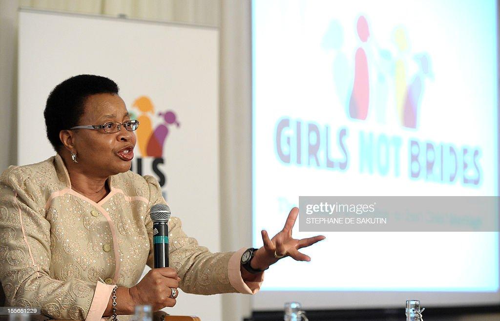 SAFRICA-CHILD-MARRIAGE-AFRICA-SOCIETY-MACHEL : News Photo