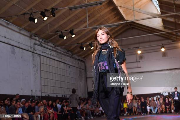 Grace Elizabeth walks the runway at the Etro fashion show during the Milan Men's Fashion Week Spring/Summer 2020 on June 16 2019 in Milan Italy