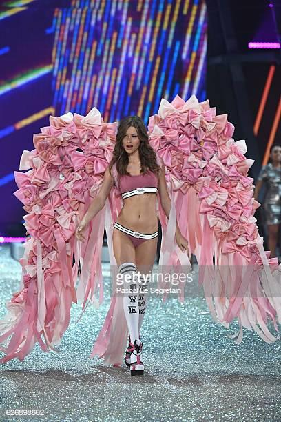 Grace Elizabeth walks the runway at the Victoria's Secret Fashion Show on November 30 2016 in Paris France