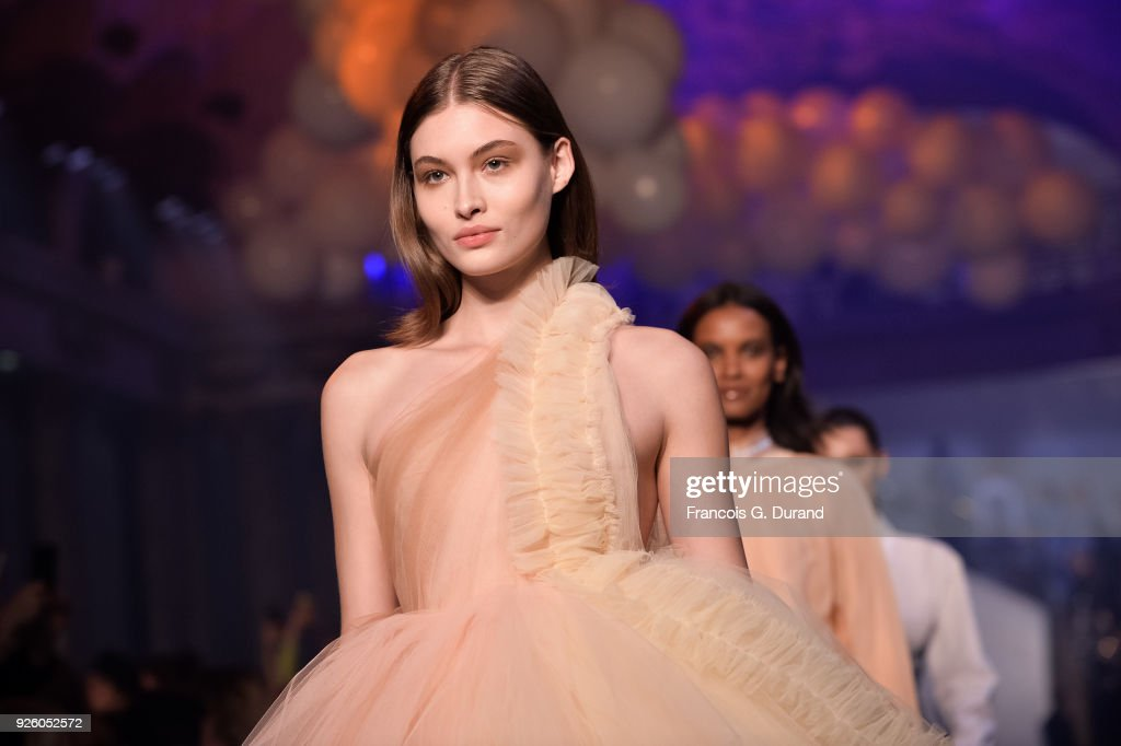 Grace Elizabeth walks the runway during the Off-White show as part of the Paris Fashion Week Womenswear Fall/Winter 2018/2019 on March 1, 2018 in Paris, France.