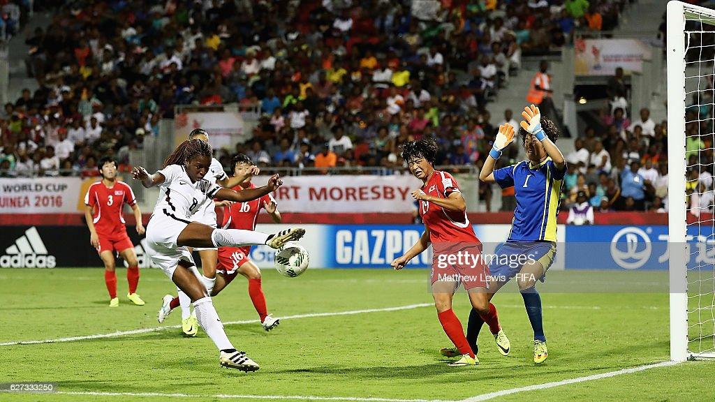 Korea DPR v France: Final - FIFA U-20 Women's World Cup Papua New Guinea 2016 : News Photo