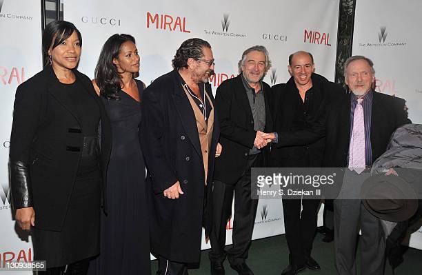 Grace Hightower screenwriter Rula Jebreal director Julian Schnabel actor Robert De Niro producer Jon Kilik and Dick Cavett attend the premiere of...