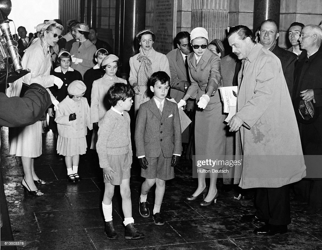 Grace Kelly Helps To Organise A Retinue Of Six Child Attendants At Rehearsal Her
