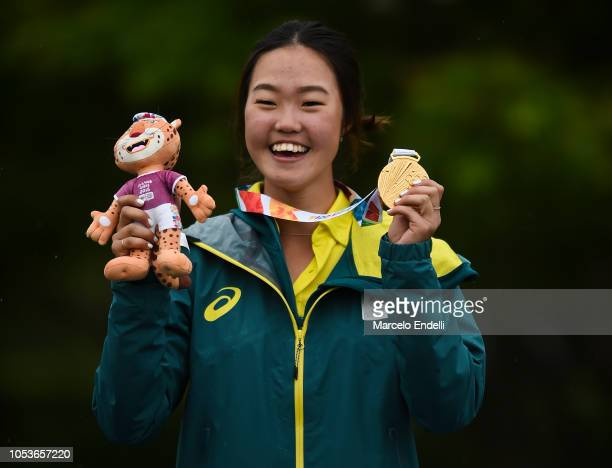 Grace Kim of Australia shows her Gold medal Women's Individual Stroke Play Round 3 during day 5 of Buenos Aires 2018 Youth Olympic Games at...