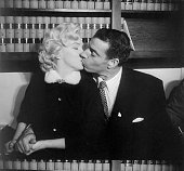 Grace must be natural and marilyn monroe and joe dimaggio demonstrate picture id517367960?s=170x170