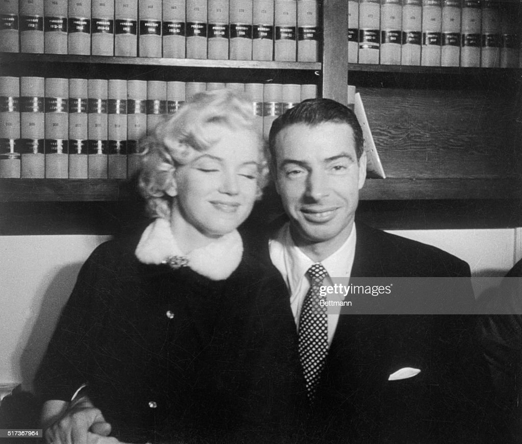 Grace Must Be Natural And Marilyn Monroe Joe Dimaggio Demonstrate That Without Rehearsal