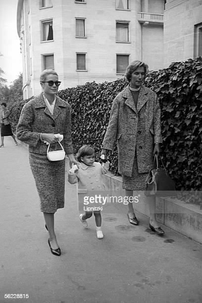 Grace of Monaco and her daughter Caroline October 1959