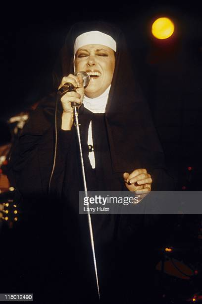 Grace Slick performs with 'the Jefferson Starship' at Opera House in San Francisco California on May 7 1987