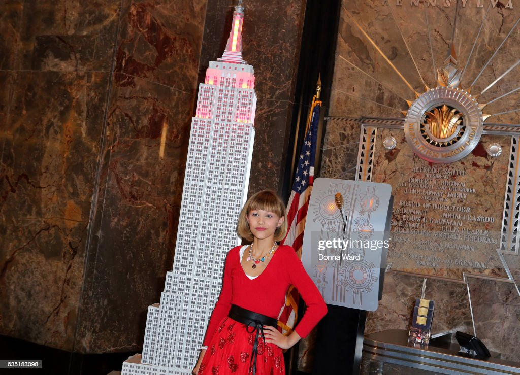 grace vanderwaal visits empire state building photos and images, Ideas