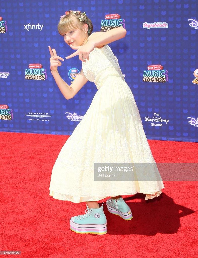 2017 Radio Disney Music Awards - Arrivals : News Photo