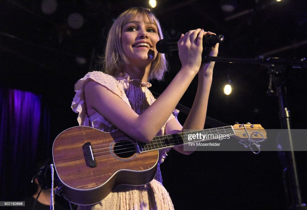 Grace Vanderwaal Performs At Slim's : News Photo