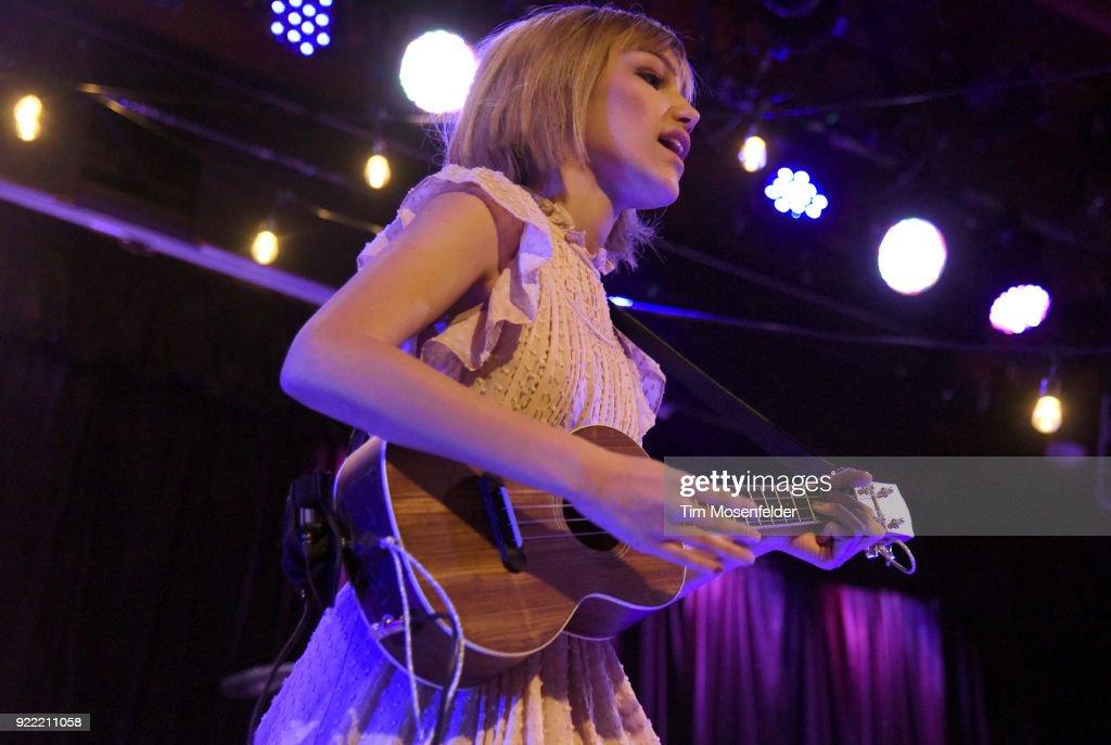 Grace Vanderwaal Performs At Slim's : News Photo