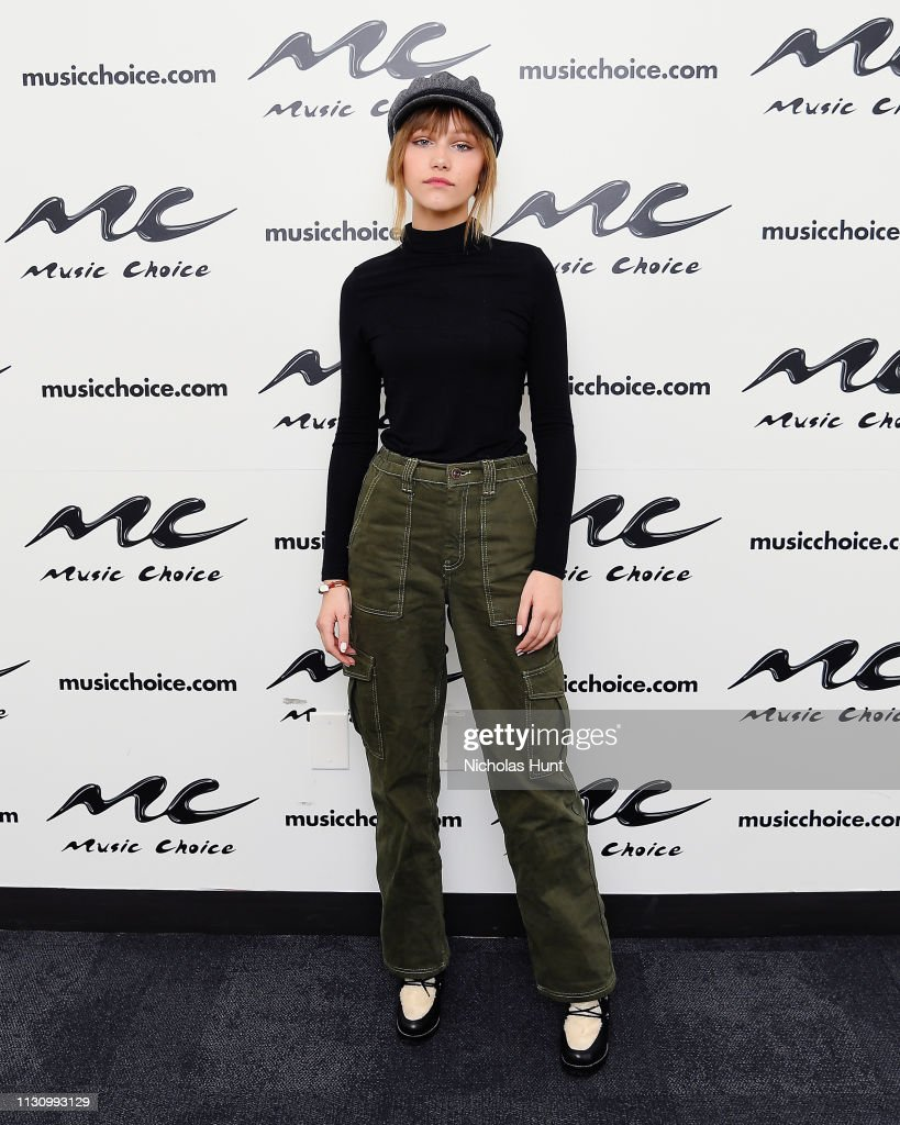 NY: Grace Vanderwaal Visits Music Choice