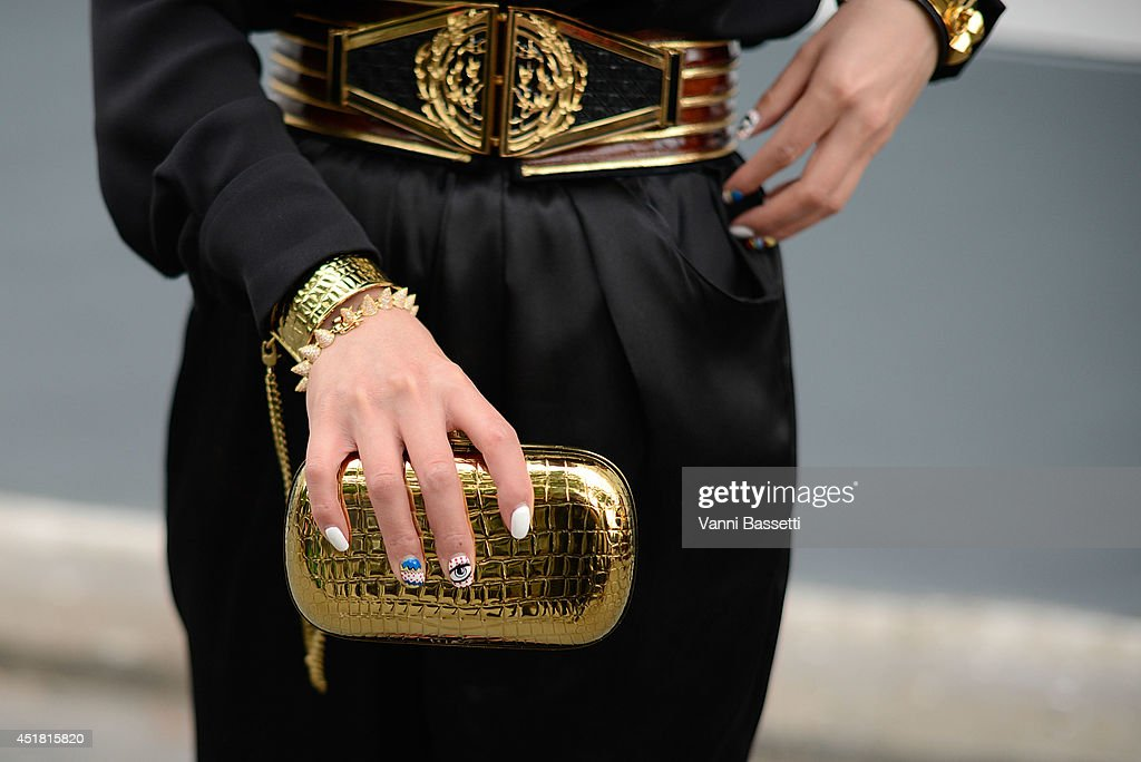 Street Style - Paris Fashion Week, Haute Couture F/W 2014-2015 : July 7th : News Photo
