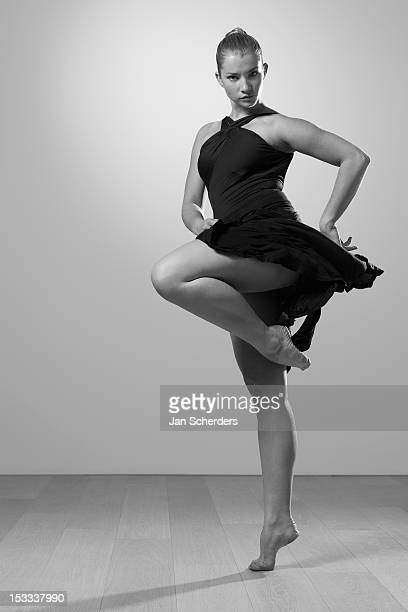 graceful barefoot dancer - jan dance stock pictures, royalty-free photos & images