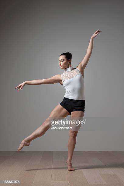 graceful caucasian ballet dancer - jan dance stock pictures, royalty-free photos & images