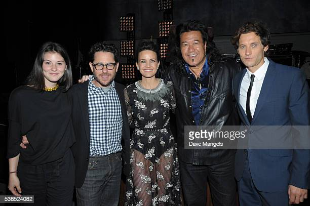 Gracie Abrams executive producer JJ Abrams actors Carla Gugino Branscombe Richmond and Tanc Sade attend the premiere for Showtime's Roadies at The...