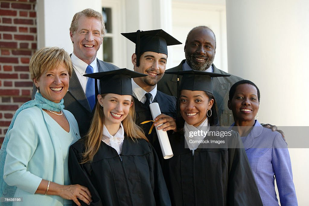 Graduates and parents : Stockfoto